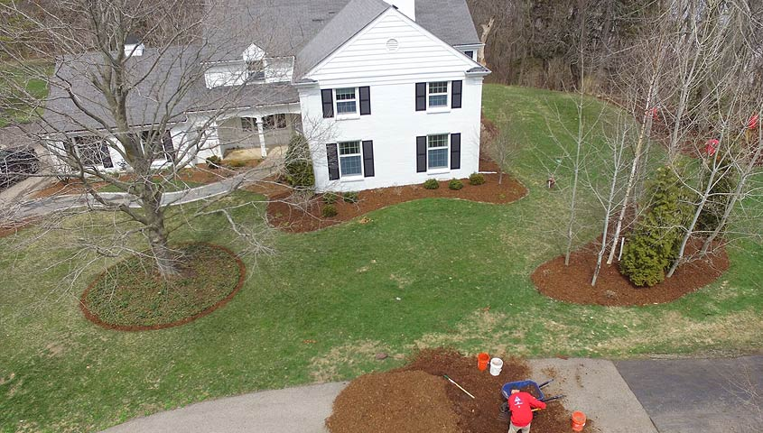 mulching home landscaping