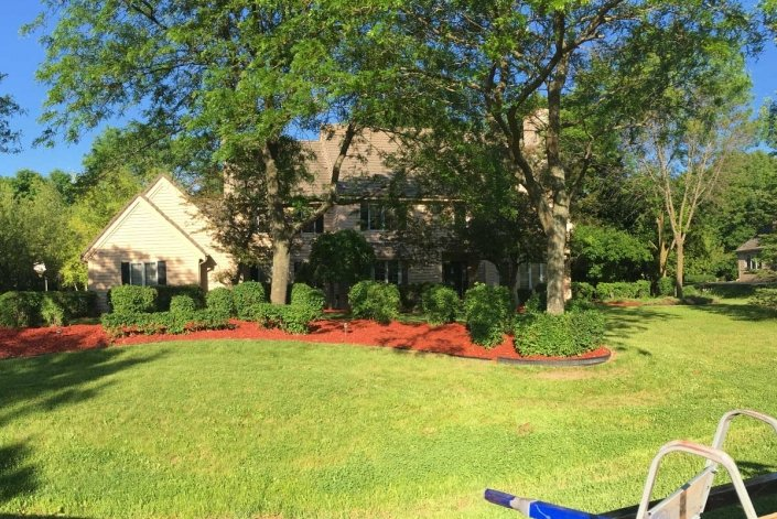mulching lawn care milwaukee home